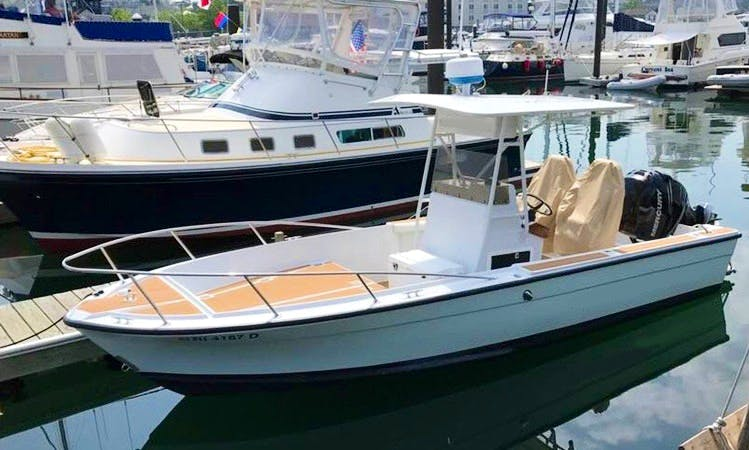 Meticulously Maintained Spectator Boat for Full Day Charter