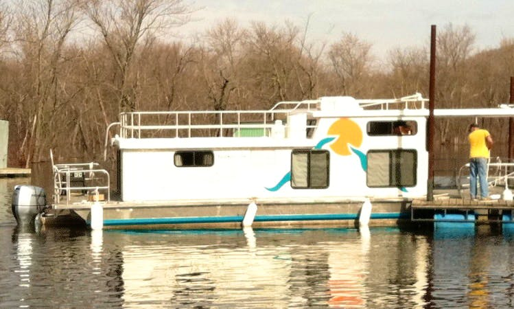 13' x 38' Houseboat Rental, Great for Couples