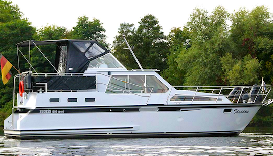 Charter 33' Succes 1000 Motor Yacht In Brandenburg, Germany