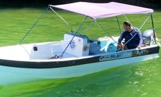 Private Center Console Boat For Up To 5 People In Rio De Janeiro