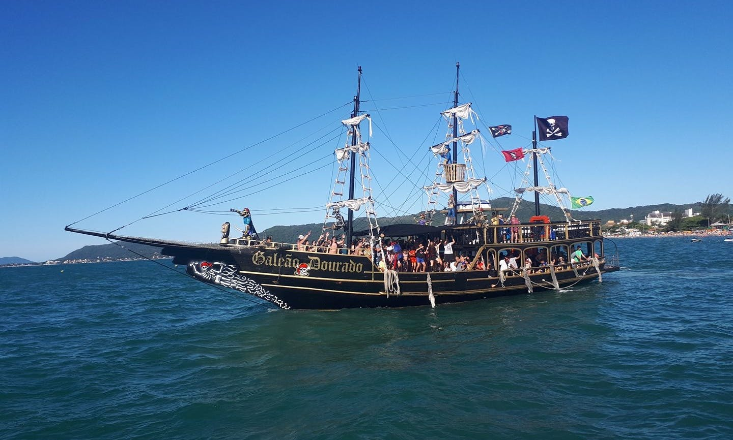 Come With Us On This Sailing Adventure in Santa Catarina, Brazil