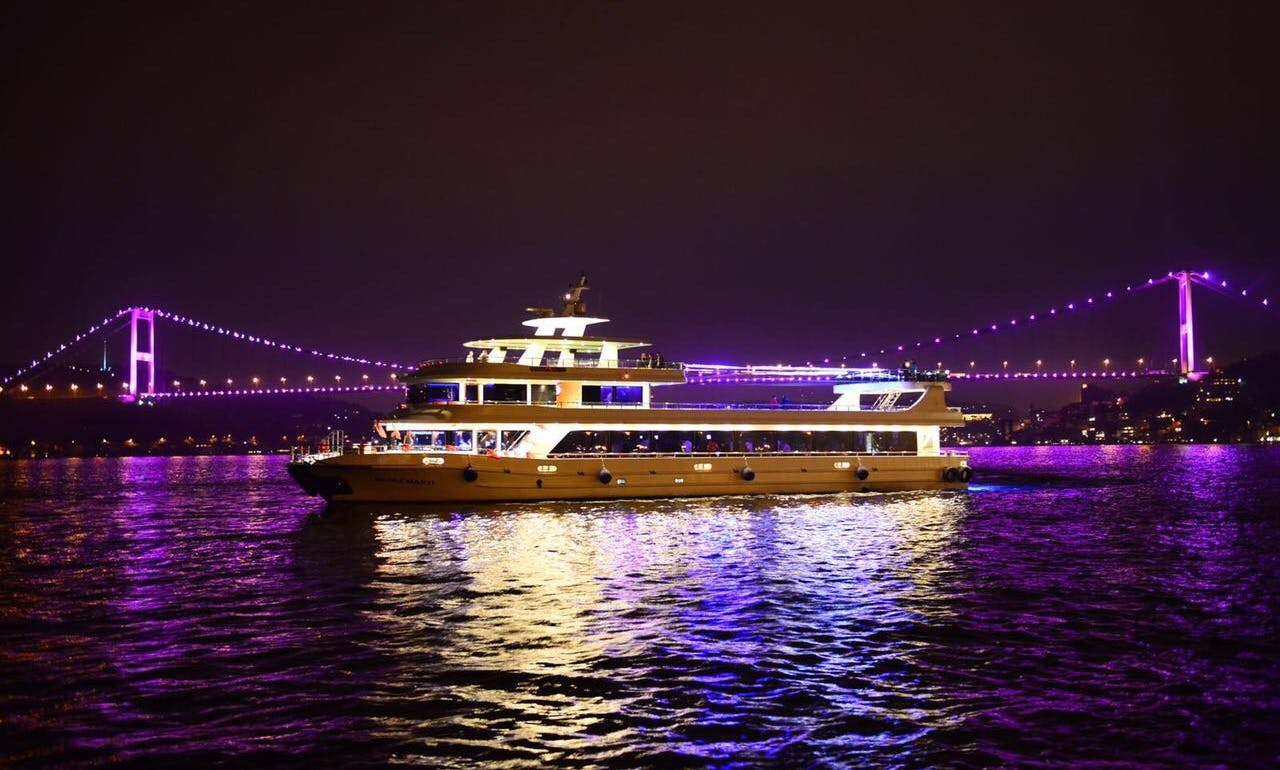 $20 per person up to 500 peopld for this cruise to host your event in İstanbul