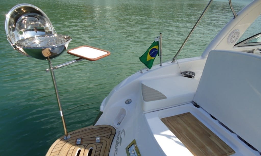 Evolve 270 Cuddy Cabin Charter for 9 People in Florianópolis, Brazil
