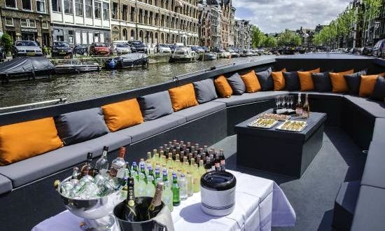PARTY BOAT AMSTERDAM EXPERIENCE
