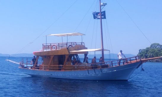 Wonderful Boat Trip For 47 People In Neos Marmaras, Greece