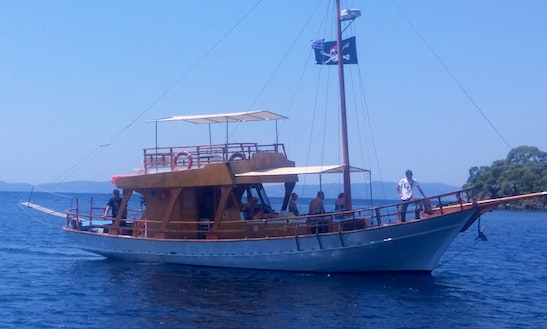 Wonderful Boat Trip For 47 People In Neos Marmaras, Greece