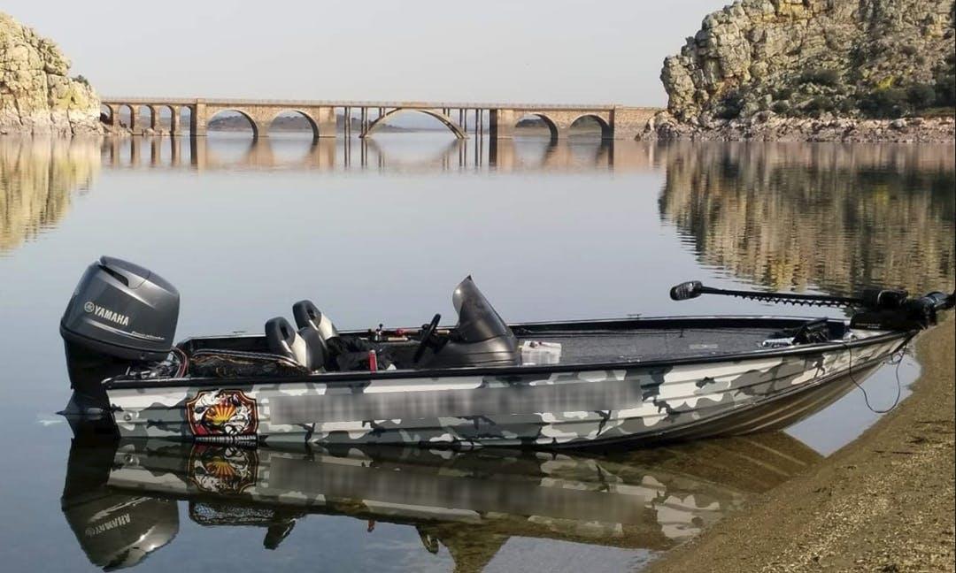 Enjoy A Thrilling Fishing Experience ln Entrerríos, Spain!