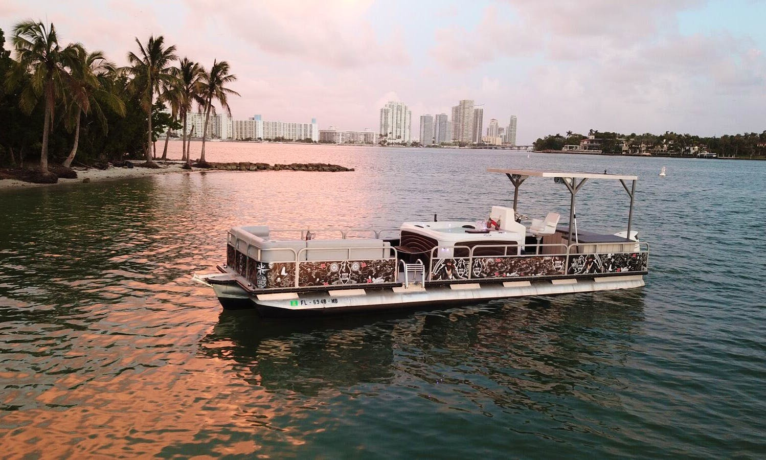 Experience this Luxury Tub Boat for 10 People in Miami, Florida