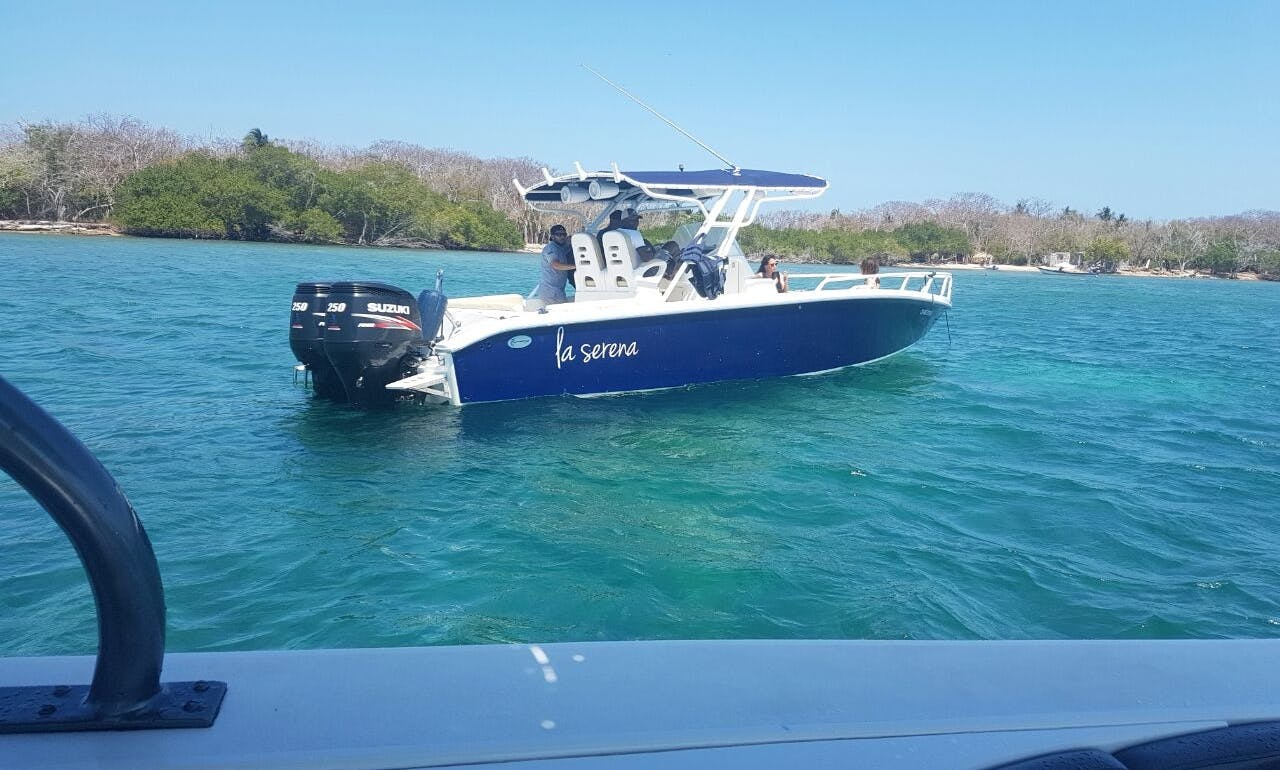 Rent this Beautiful 34ft center console for 12 people in Cartagena, Colombia
