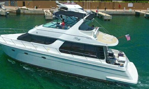 55' Carver Power Mega Yacht - 15 People Capacity in Cancún, Mexico