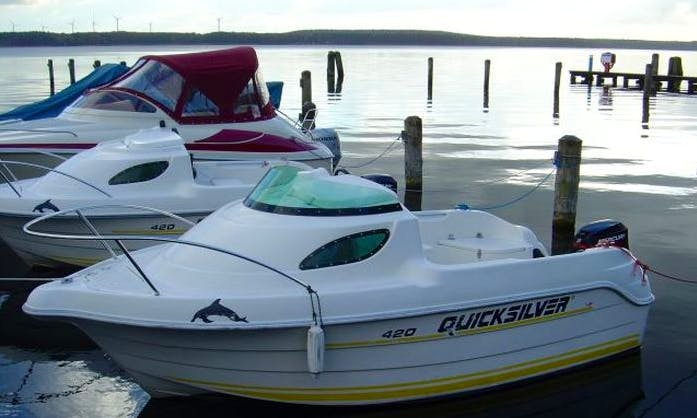 Quicksilver 420 Powerboat Rental for 4 People in Bad Saarow, Germany