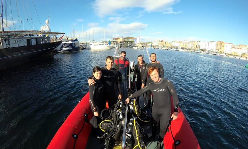 PADI Scuba Diving Lesson in Sanxenxo, Spain