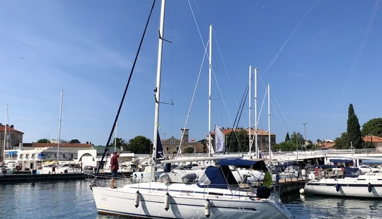 Charter 32' Bavaria Cruising Monohull For Rent In Zadar City Centre, Croatia