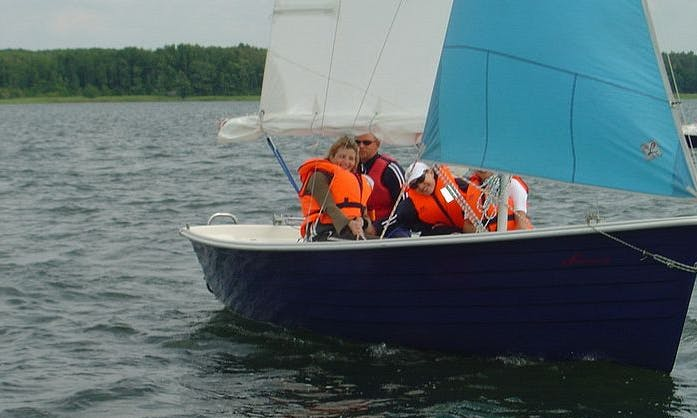 19 ft Sunhorse Dinghy Rental for Up to 6 People in Bad Saarow, Germany