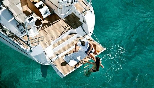 Bareboat Charter On Bavaria Cruiser 46 In Alimos, Greece