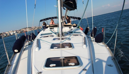 3.5 Hour Sail And Sunset River Cruise In Lisboa, Portugal