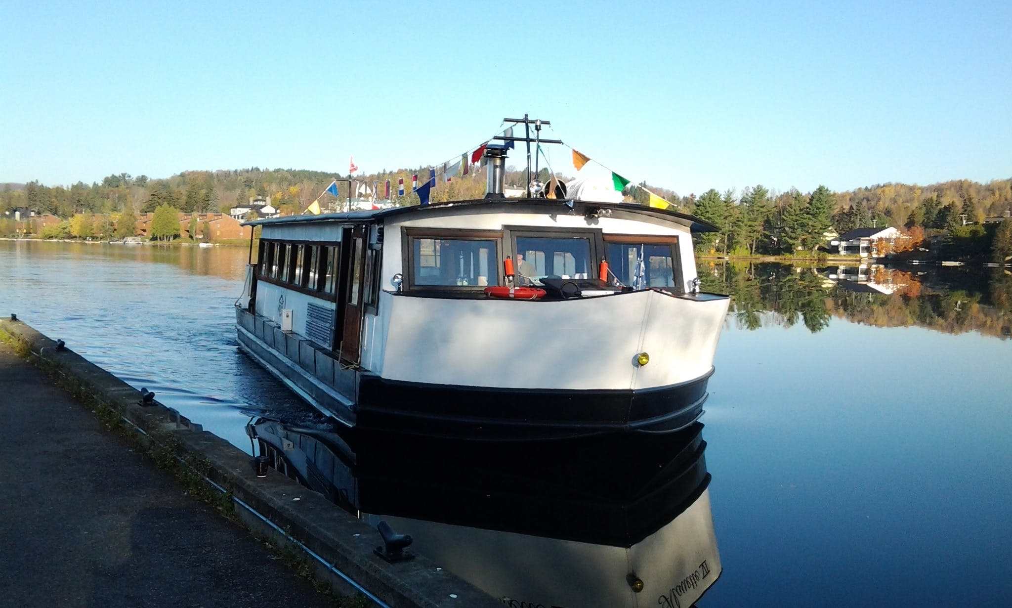 Amazing Boat Tour on Lac Des Sables in Sainte-Agathe-des-Monts