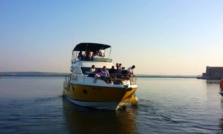Motor Yacht - 15 People Capacity in Britona, Goa
