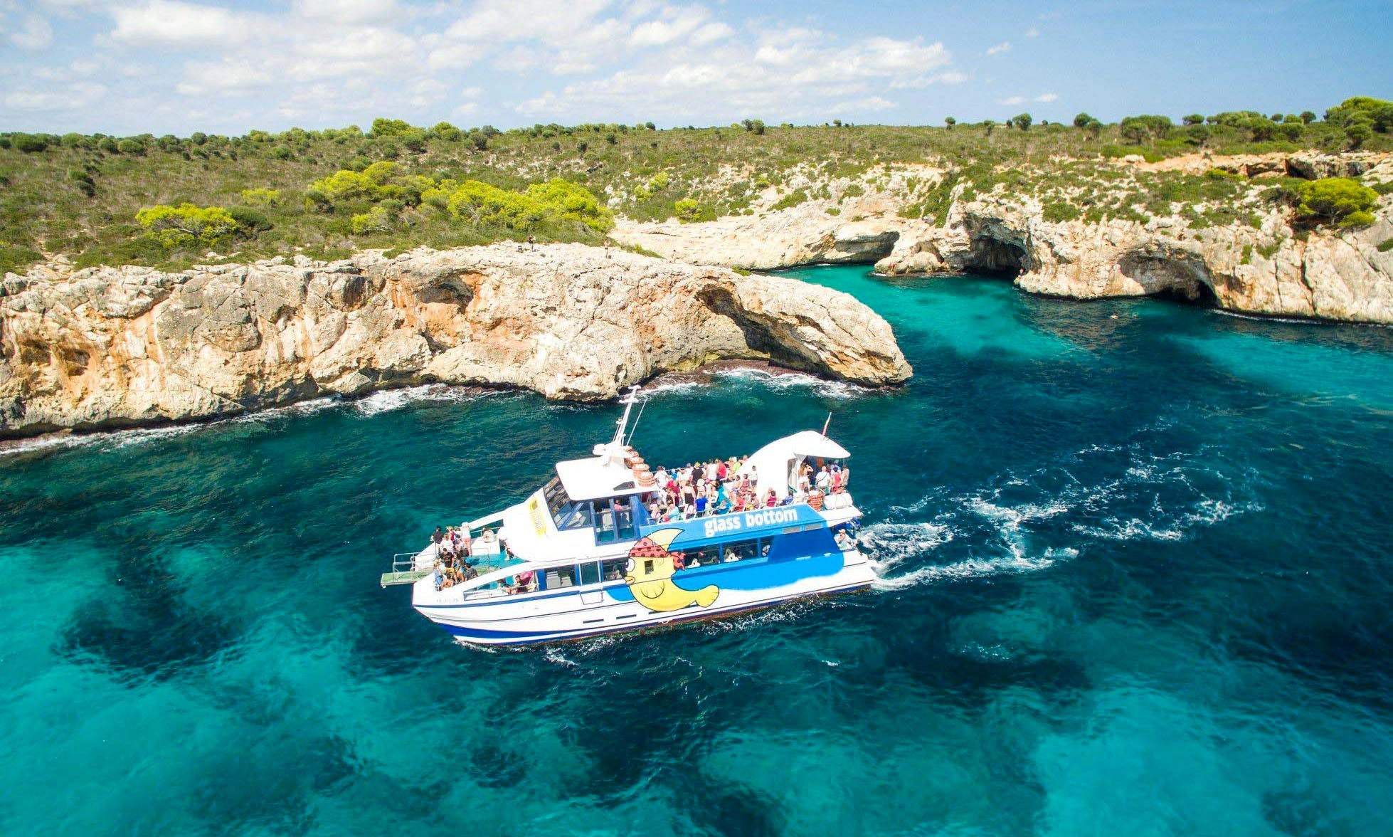 Enjoy The Best Glass Bottom Boat Tour in Porto Cristo, Spain!