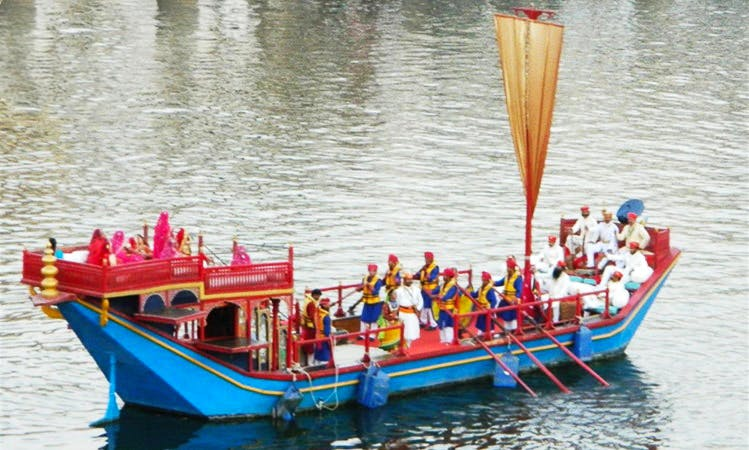 Traditional Boat Tour in Udaipur
