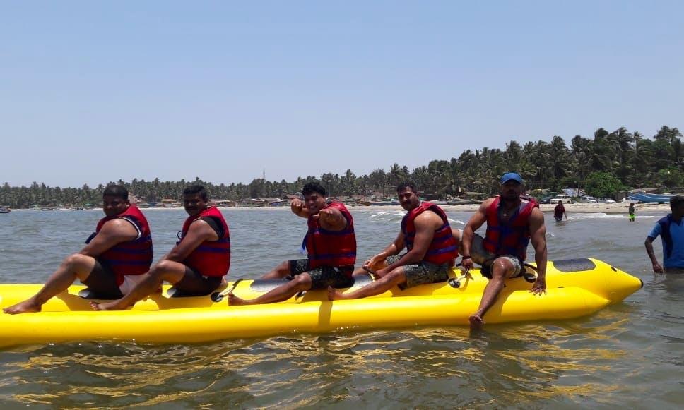 Let's Ride A Banana Boat Ride In Malvan, India!