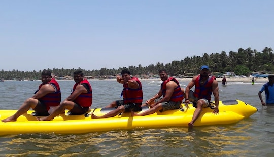 Let's Ride A Banana Boat Ride In Malvan, India!