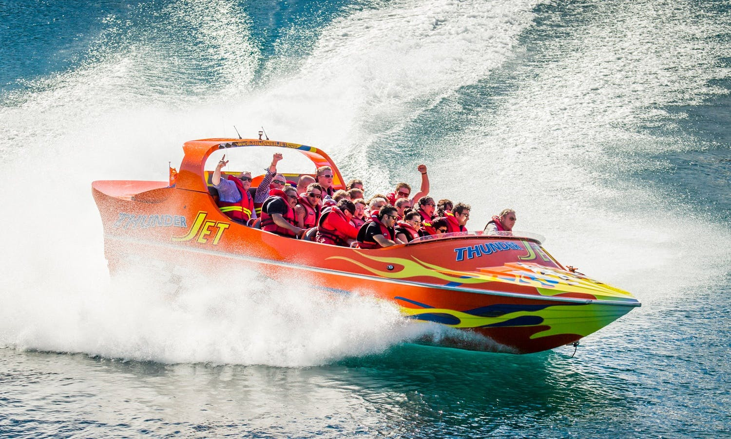 Jet Boat Tour and BBQ Buffet Experience in Queenstown