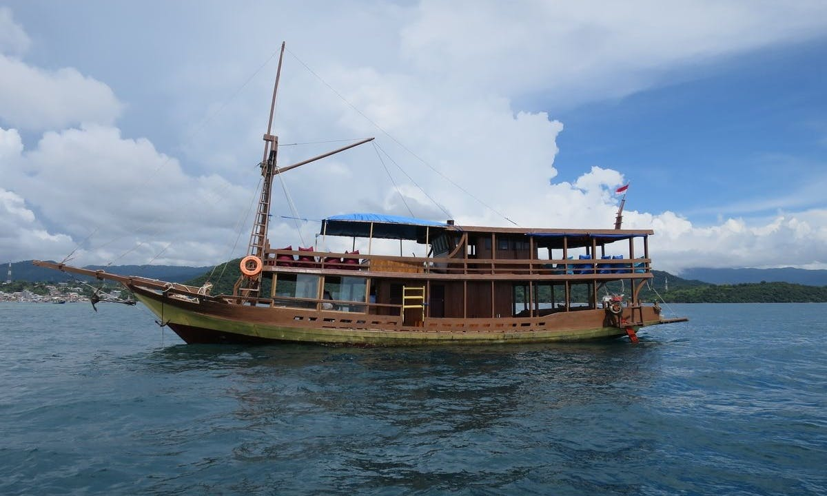 Diving Trip with Professional Guides in Komodo, Indonesia