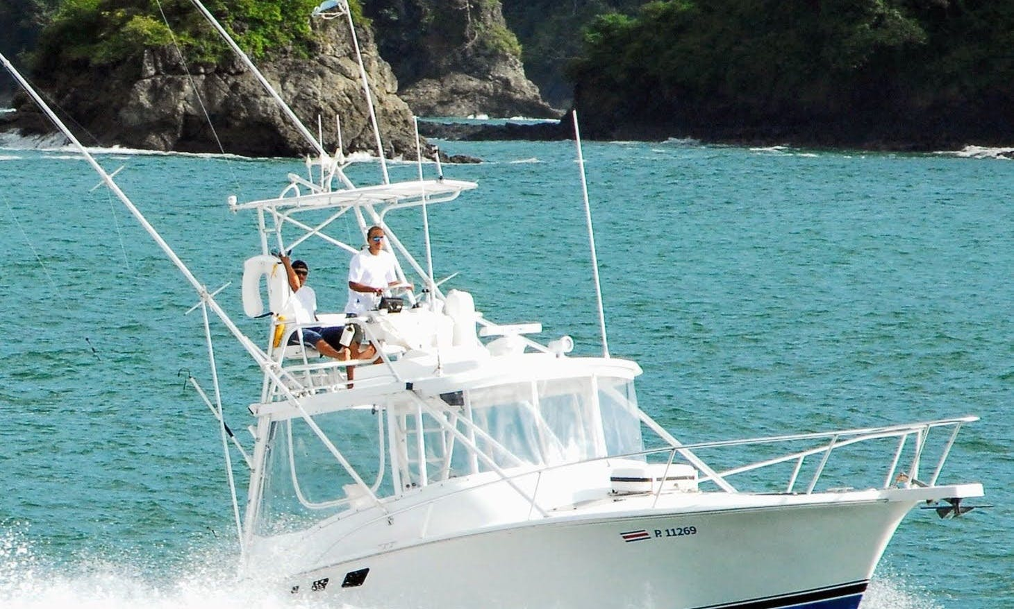Sport Fishing Charter in Quepos, 32' Luhrs Convertible