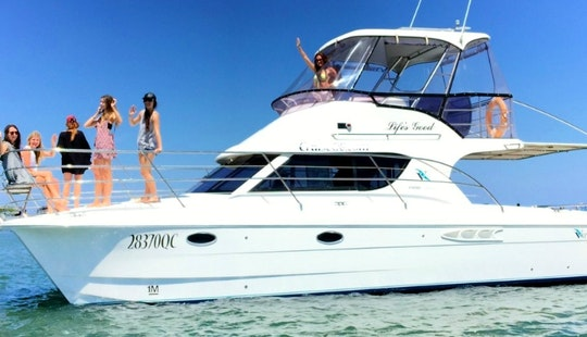 Bucks And Hens Party Boat Cruise Gold Coast - Glamor