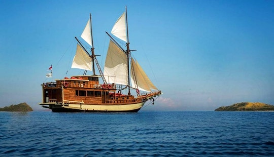 Exceptional Luxurious Sailing Trip In Komodo, Indonesia!