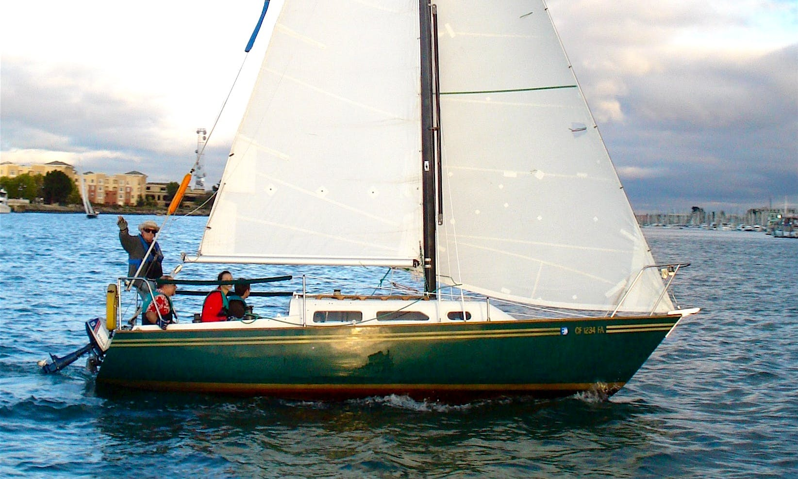 23' Daysailer Rental in Oakland, California