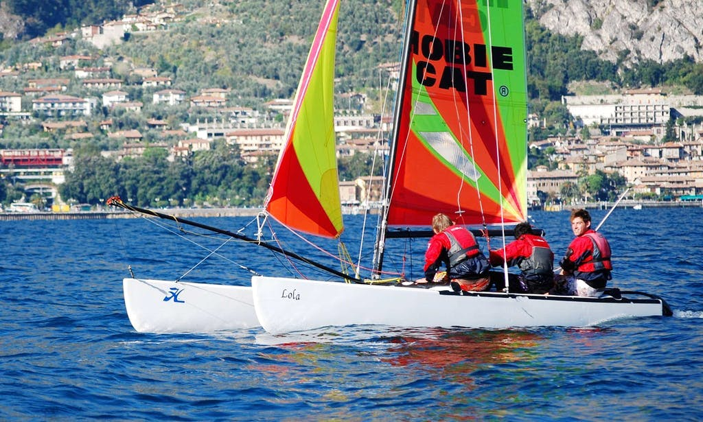 Hobie 18 Beach Catamaran Rental in Malcesine