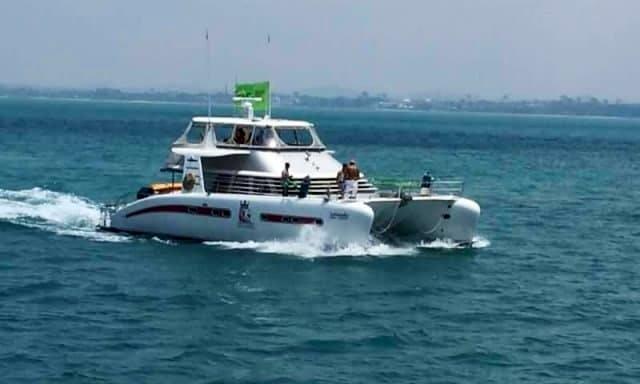 Charter the 52' LK Power Catamaran in Muang Pattaya, Thailand