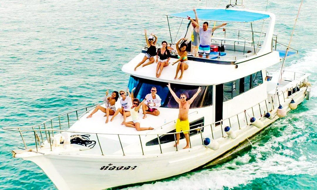 FB02 Fishing Boat with Aircon (max 20 people)