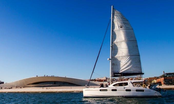 Catamaran Leopard in Lisboa