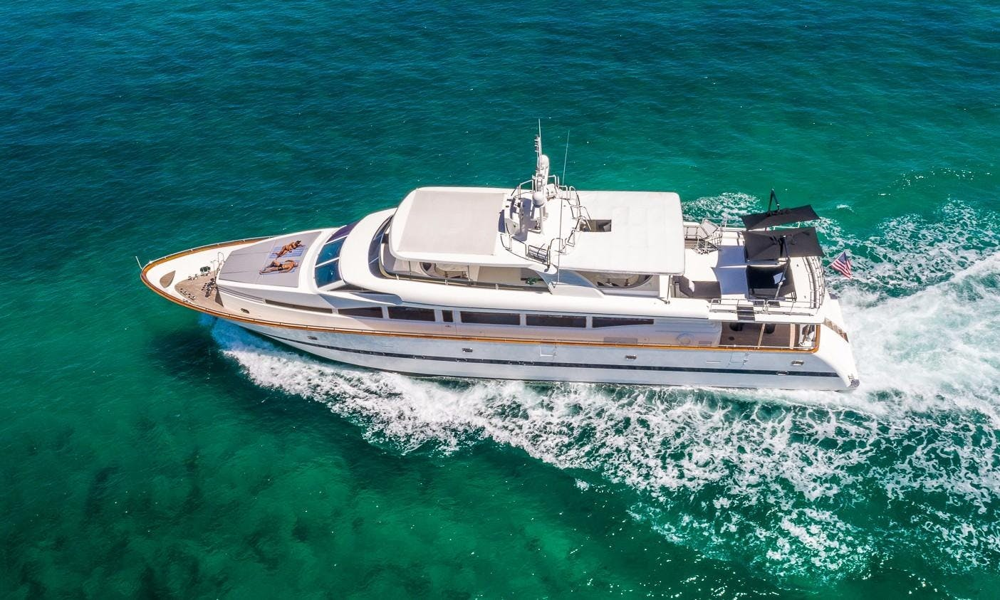 Mega Yacht 115' Horizon. Modern with jacuzzi and water toys