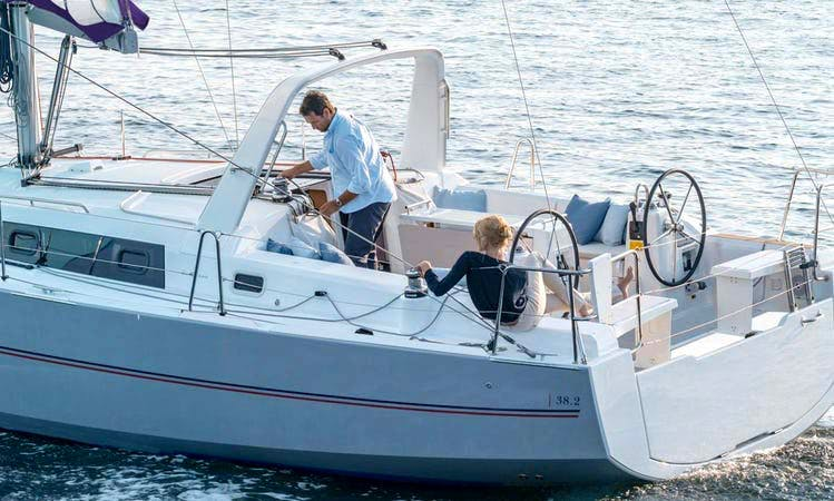 Experience a Unique Sailing In Placencia, Belize On 38ft Beneteau Oceanis Sailing Yacht!