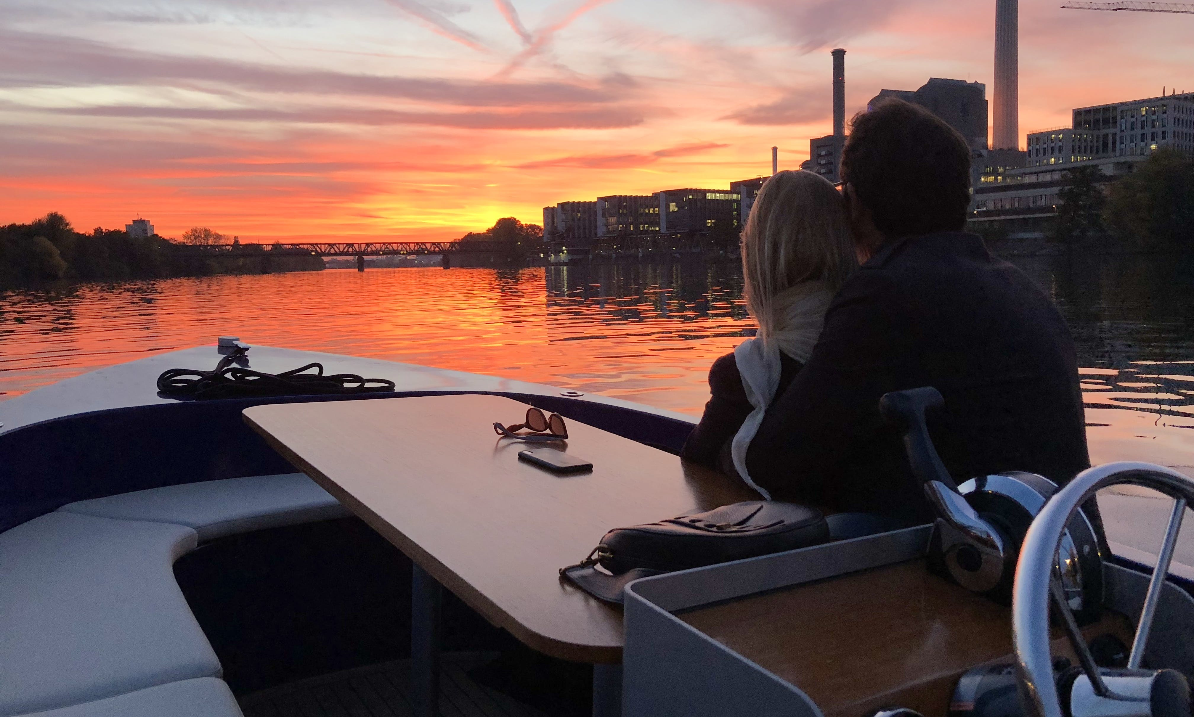 Romantic Boattour for 2 in Frankfurt am Main, Germany