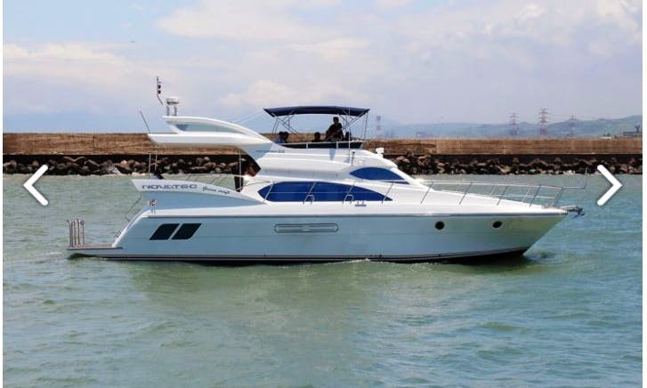 58' Luxury and Comfy Motor Yacht in Kaohsiung City