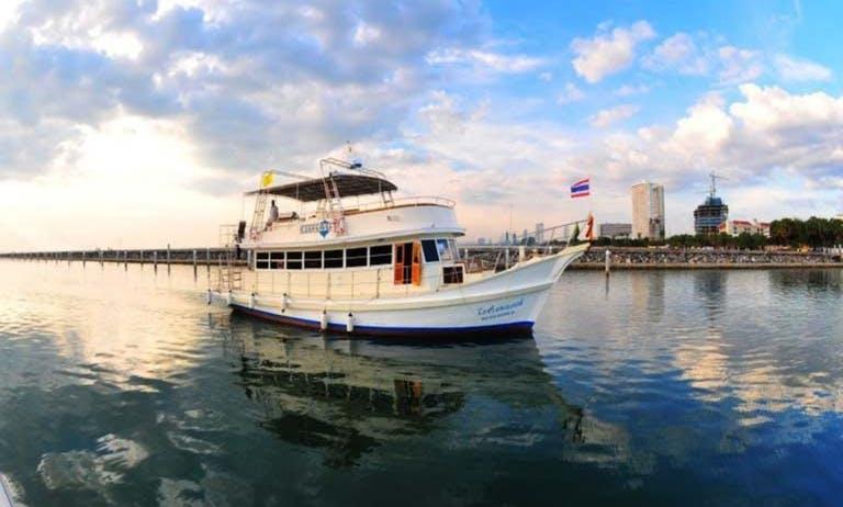 Party Boat rental in Pattaya