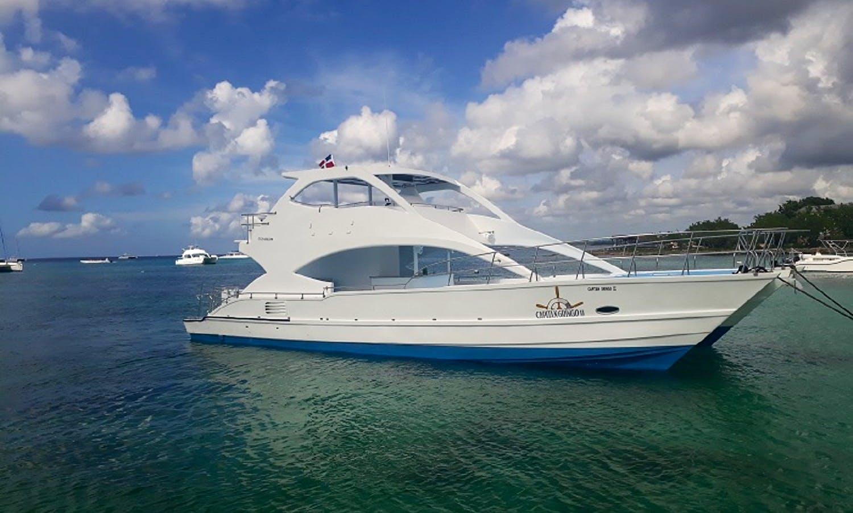 Motor Yacht rental in the Dominican Republic