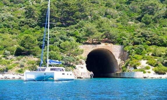 Nautitech 40 Open Cruising Catamaran in Cienfuegos