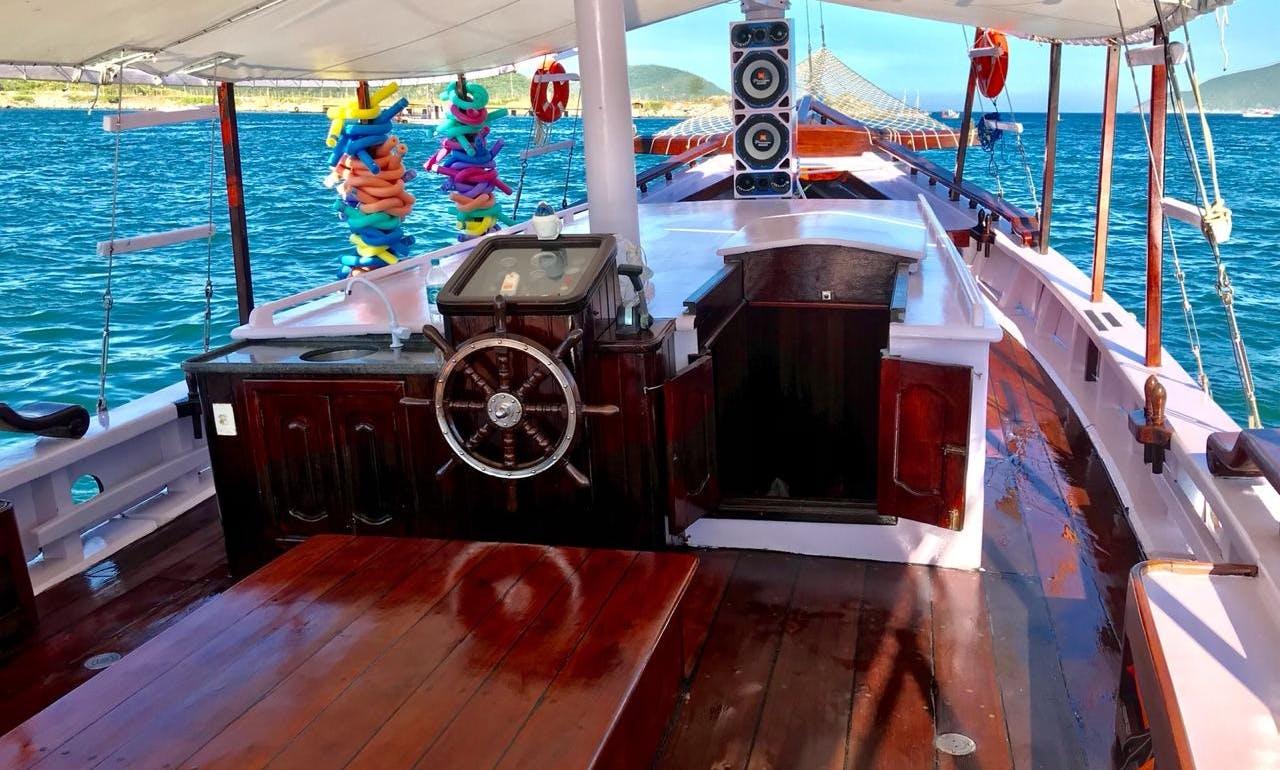 """Schooner Charter in Arraial do Cabo """"Brazilian Caribbean""""_Rio de Janeiro, Brazil"""