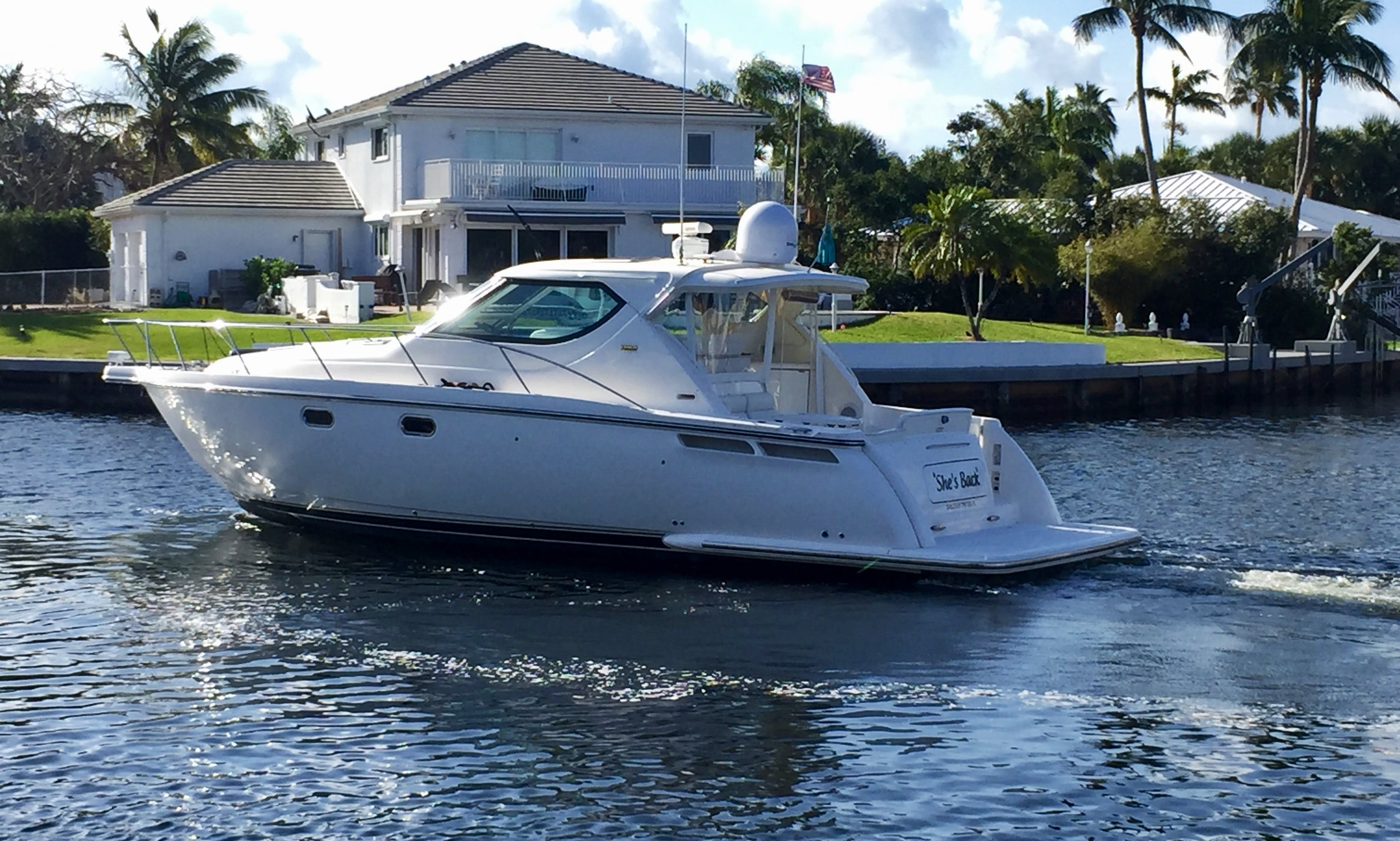Luxury Cruising Yacht rental in Miami