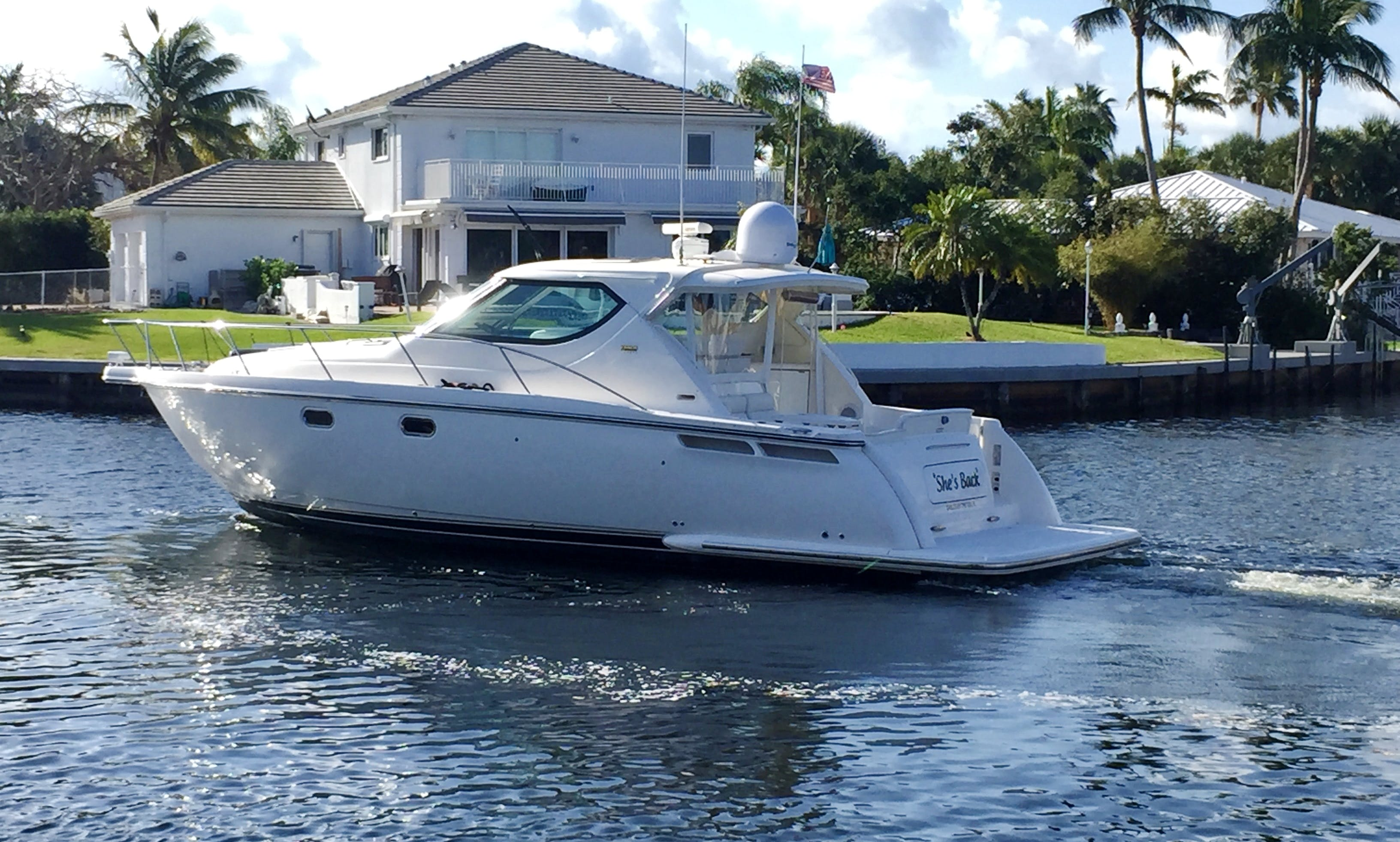 Luxury Cruising Yacht rental in Miami