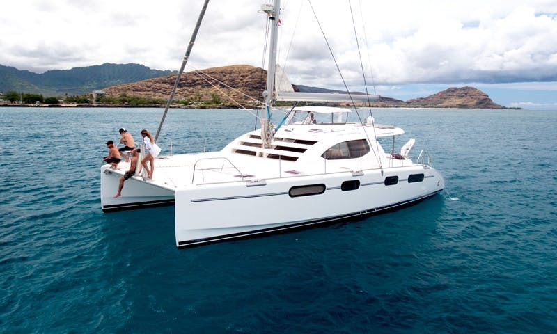 Luxury Private Yacht in Oahu, Hawaii | MANA Cruises