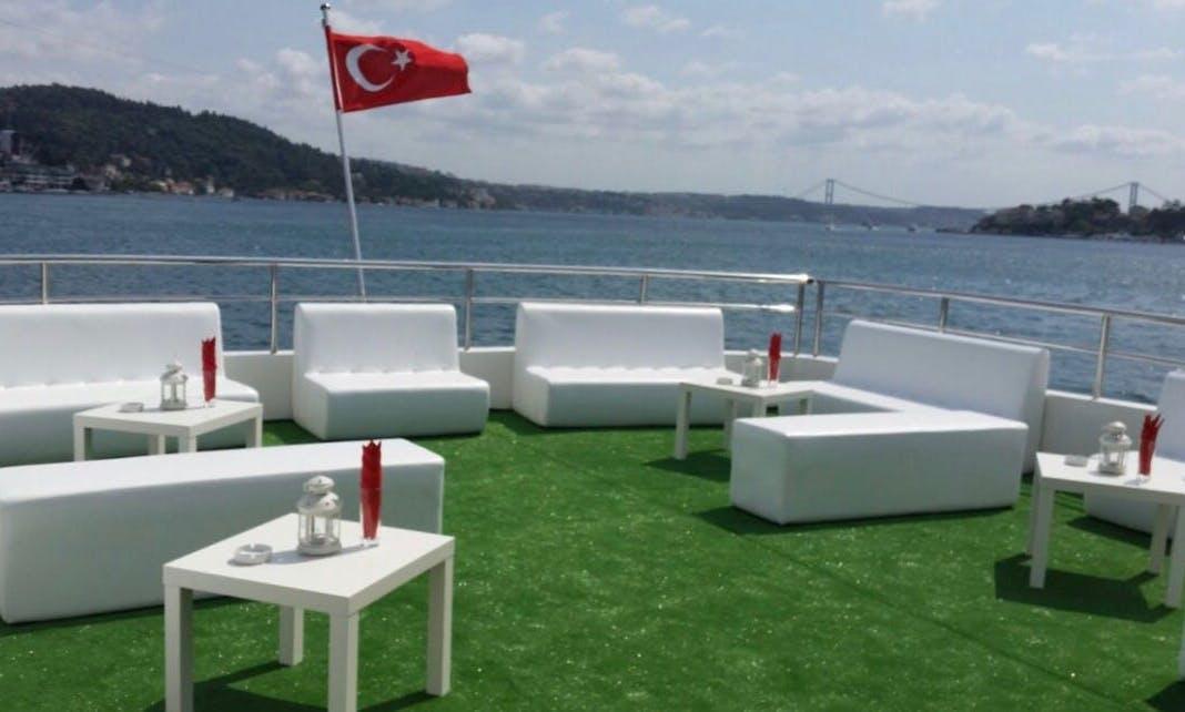 Luxury Motor Yacht rental in İstanbul