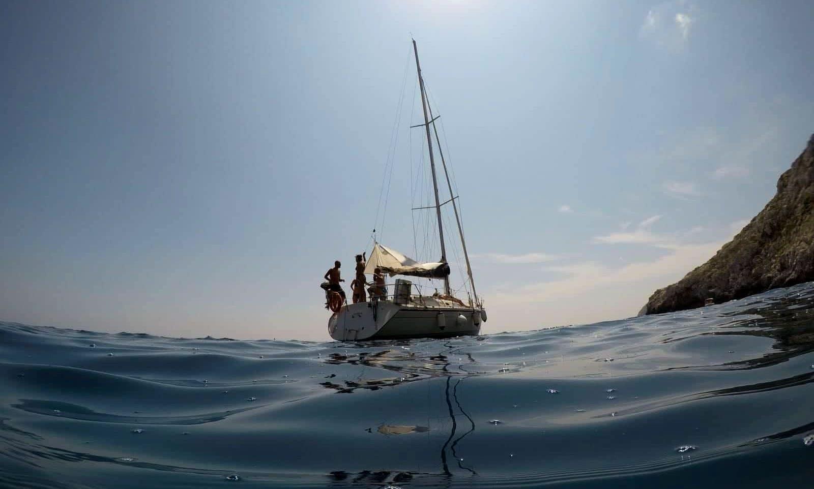 Sail boat crewed rental in Leuca