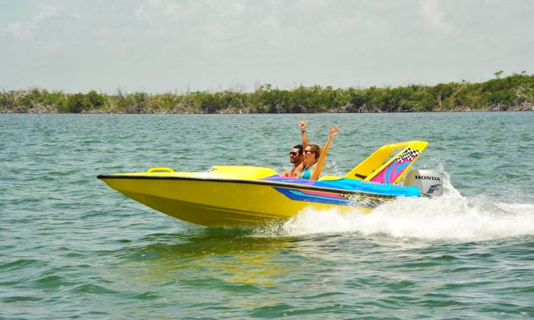Powerboat Lessons rental in Cancún